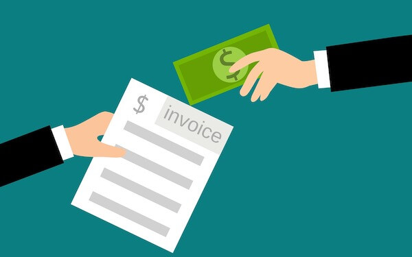 5 Ways Invoice Factoring Can Help Your Trucking Business in Tough Times
